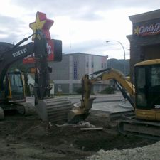 Digg'N 4 U Contracting Ltd | Carl's Jr. excavation job