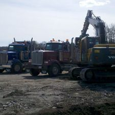 Digg'N 4 U Contracting Ltd excavator and dump trucks